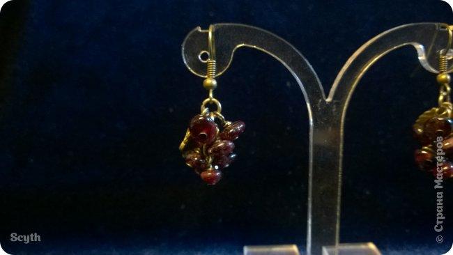 Классические серьги-грозди из крошки граната. Короткие - всего 2 см. фото 1