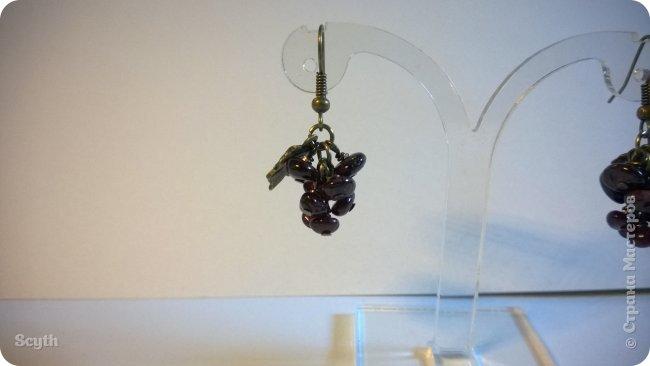 Классические серьги-грозди из крошки граната. Короткие - всего 2 см. фото 3