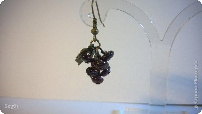 Классические серьги-грозди из крошки граната. Короткие - всего 2 см. фото 5