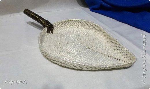 Конфетница из бумажной лозы выполнено в технике плетение из корня, размеры: 8х12х9 см, высота 12 см (без крышки). Цвет белый перламутр. фото 6