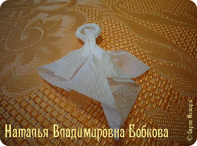 Мастер-класс по изготовлению ажурных цветов из бумажных салфеток.   фото 22