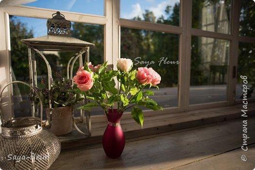 Только закончила заказ из 7 веток эустомы и 7 штук роз, у меня было 9 дней на изготовление этой красоты. Представляю Вашему вниманию мои букеты ручной работы из полимерной глины, фотограф моя дочь, снимали в интерьере для лучшего представления как они смотрятся в домашнем уюте фото 9