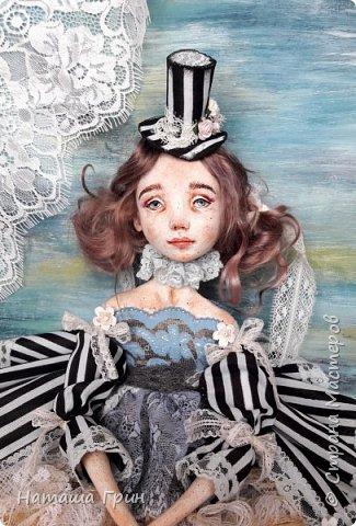 Всем привет! Хочу показать вам еще одну свою будуарную куколку. Зовут ее Шарлотта. Сделана она из папе-маше и самозастывающей глины. Голова у нее может поворачиваться в разные стороны. Ручки и ножки подвижны, может сидеть в любом положении. фото 7