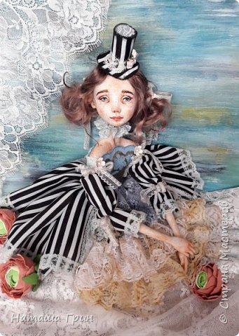 Всем привет! Хочу показать вам еще одну свою будуарную куколку. Зовут ее Шарлотта. Сделана она из папе-маше и самозастывающей глины. Голова у нее может поворачиваться в разные стороны. Ручки и ножки подвижны, может сидеть в любом положении. фото 2