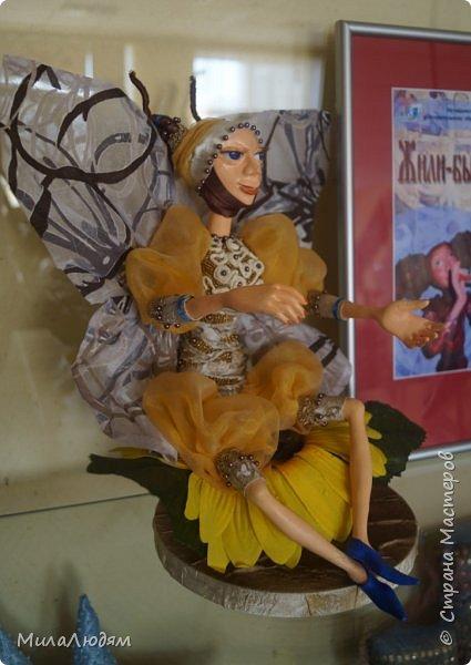 """Всем здравствуйте! 8 марта у нас в Доме культуры проходила выставка авторских кукол художника Колмогоровой Людмилы Юрьевны """"Жили-были куклы...""""  У меня был восторг и я все хотела поделиться своими впечатлениями с вами, но все не до этого было. Вот взялась, выбрала фото, обработала и выставляю репортаж. Фото будет много.  Автор этой выставки моя землячка, она жила и училась в моем поселке, в моей школе, чуть постарше меня. И как многие после школы уехала учиться, вышла замуж и в деревню не вернулась. фото 42"""