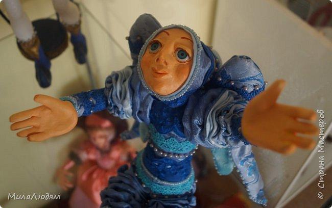 """Всем здравствуйте! 8 марта у нас в Доме культуры проходила выставка авторских кукол художника Колмогоровой Людмилы Юрьевны """"Жили-были куклы...""""  У меня был восторг и я все хотела поделиться своими впечатлениями с вами, но все не до этого было. Вот взялась, выбрала фото, обработала и выставляю репортаж. Фото будет много.  Автор этой выставки моя землячка, она жила и училась в моем поселке, в моей школе, чуть постарше меня. И как многие после школы уехала учиться, вышла замуж и в деревню не вернулась. фото 22"""