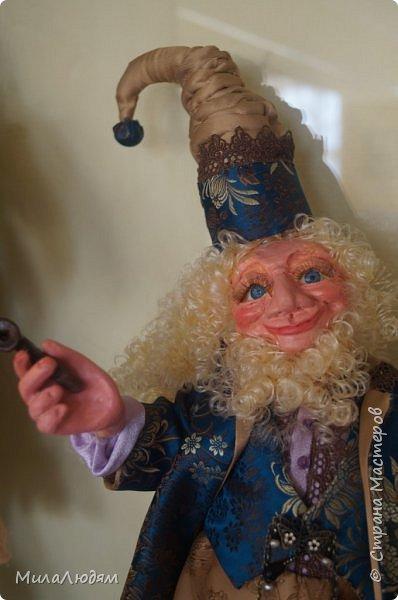"""Всем здравствуйте! 8 марта у нас в Доме культуры проходила выставка авторских кукол художника Колмогоровой Людмилы Юрьевны """"Жили-были куклы...""""  У меня был восторг и я все хотела поделиться своими впечатлениями с вами, но все не до этого было. Вот взялась, выбрала фото, обработала и выставляю репортаж. Фото будет много.  Автор этой выставки моя землячка, она жила и училась в моем поселке, в моей школе, чуть постарше меня. И как многие после школы уехала учиться, вышла замуж и в деревню не вернулась. фото 58"""