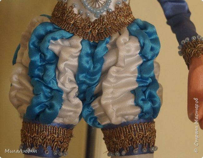 """Всем здравствуйте! 8 марта у нас в Доме культуры проходила выставка авторских кукол художника Колмогоровой Людмилы Юрьевны """"Жили-были куклы...""""  У меня был восторг и я все хотела поделиться своими впечатлениями с вами, но все не до этого было. Вот взялась, выбрала фото, обработала и выставляю репортаж. Фото будет много.  Автор этой выставки моя землячка, она жила и училась в моем поселке, в моей школе, чуть постарше меня. И как многие после школы уехала учиться, вышла замуж и в деревню не вернулась. фото 26"""