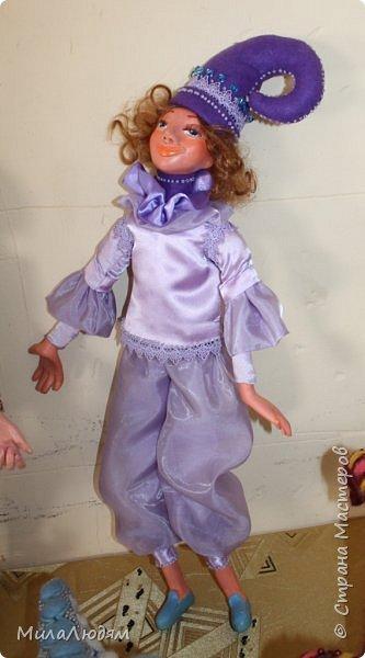"""Всем здравствуйте! 8 марта у нас в Доме культуры проходила выставка авторских кукол художника Колмогоровой Людмилы Юрьевны """"Жили-были куклы...""""  У меня был восторг и я все хотела поделиться своими впечатлениями с вами, но все не до этого было. Вот взялась, выбрала фото, обработала и выставляю репортаж. Фото будет много.  Автор этой выставки моя землячка, она жила и училась в моем поселке, в моей школе, чуть постарше меня. И как многие после школы уехала учиться, вышла замуж и в деревню не вернулась. фото 39"""