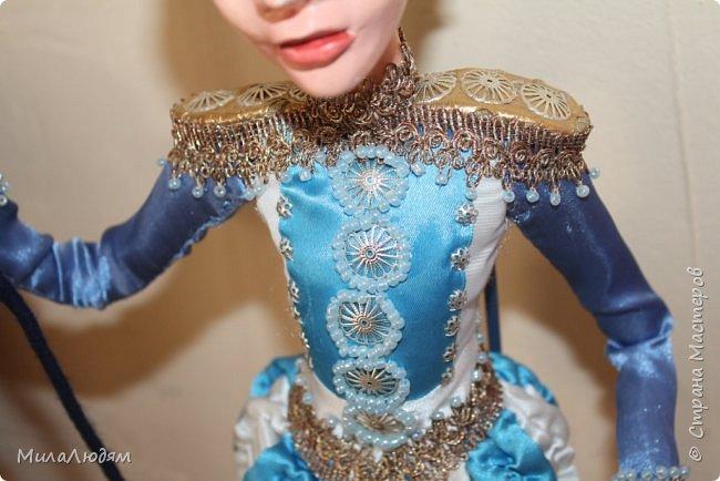"""Всем здравствуйте! 8 марта у нас в Доме культуры проходила выставка авторских кукол художника Колмогоровой Людмилы Юрьевны """"Жили-были куклы...""""  У меня был восторг и я все хотела поделиться своими впечатлениями с вами, но все не до этого было. Вот взялась, выбрала фото, обработала и выставляю репортаж. Фото будет много.  Автор этой выставки моя землячка, она жила и училась в моем поселке, в моей школе, чуть постарше меня. И как многие после школы уехала учиться, вышла замуж и в деревню не вернулась. фото 27"""