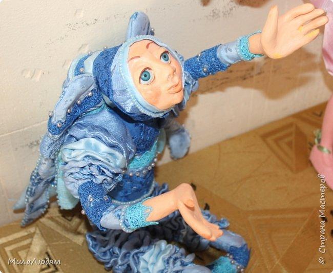 """Всем здравствуйте! 8 марта у нас в Доме культуры проходила выставка авторских кукол художника Колмогоровой Людмилы Юрьевны """"Жили-были куклы...""""  У меня был восторг и я все хотела поделиться своими впечатлениями с вами, но все не до этого было. Вот взялась, выбрала фото, обработала и выставляю репортаж. Фото будет много.  Автор этой выставки моя землячка, она жила и училась в моем поселке, в моей школе, чуть постарше меня. И как многие после школы уехала учиться, вышла замуж и в деревню не вернулась. фото 20"""