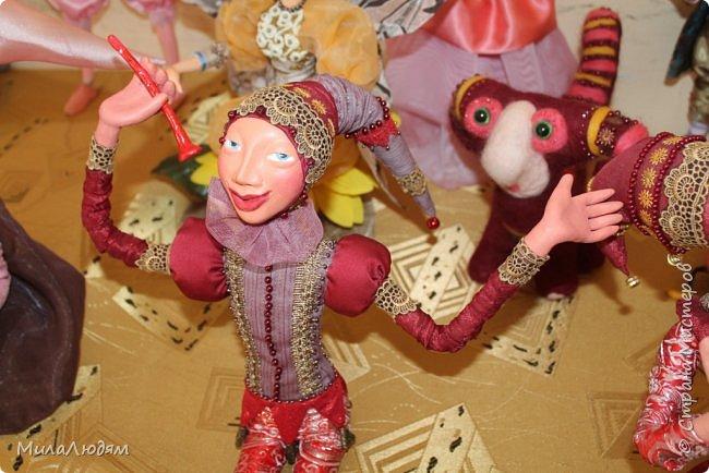 """Всем здравствуйте! 8 марта у нас в Доме культуры проходила выставка авторских кукол художника Колмогоровой Людмилы Юрьевны """"Жили-были куклы...""""  У меня был восторг и я все хотела поделиться своими впечатлениями с вами, но все не до этого было. Вот взялась, выбрала фото, обработала и выставляю репортаж. Фото будет много.  Автор этой выставки моя землячка, она жила и училась в моем поселке, в моей школе, чуть постарше меня. И как многие после школы уехала учиться, вышла замуж и в деревню не вернулась. фото 92"""