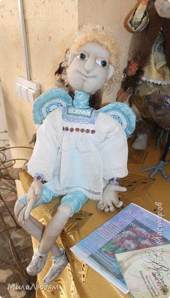 """Всем здравствуйте! 8 марта у нас в Доме культуры проходила выставка авторских кукол художника Колмогоровой Людмилы Юрьевны """"Жили-были куклы...""""  У меня был восторг и я все хотела поделиться своими впечатлениями с вами, но все не до этого было. Вот взялась, выбрала фото, обработала и выставляю репортаж. Фото будет много.  Автор этой выставки моя землячка, она жила и училась в моем поселке, в моей школе, чуть постарше меня. И как многие после школы уехала учиться, вышла замуж и в деревню не вернулась. фото 11"""