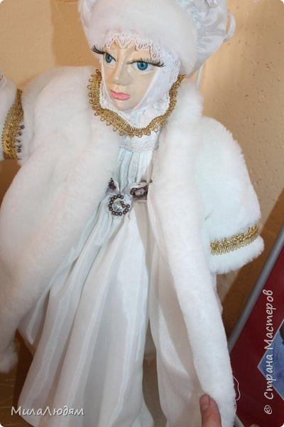 """Всем здравствуйте! 8 марта у нас в Доме культуры проходила выставка авторских кукол художника Колмогоровой Людмилы Юрьевны """"Жили-были куклы...""""  У меня был восторг и я все хотела поделиться своими впечатлениями с вами, но все не до этого было. Вот взялась, выбрала фото, обработала и выставляю репортаж. Фото будет много.  Автор этой выставки моя землячка, она жила и училась в моем поселке, в моей школе, чуть постарше меня. И как многие после школы уехала учиться, вышла замуж и в деревню не вернулась. фото 76"""