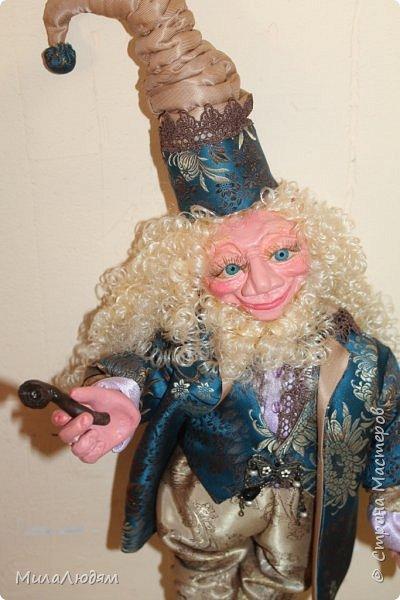 """Всем здравствуйте! 8 марта у нас в Доме культуры проходила выставка авторских кукол художника Колмогоровой Людмилы Юрьевны """"Жили-были куклы...""""  У меня был восторг и я все хотела поделиться своими впечатлениями с вами, но все не до этого было. Вот взялась, выбрала фото, обработала и выставляю репортаж. Фото будет много.  Автор этой выставки моя землячка, она жила и училась в моем поселке, в моей школе, чуть постарше меня. И как многие после школы уехала учиться, вышла замуж и в деревню не вернулась. фото 62"""
