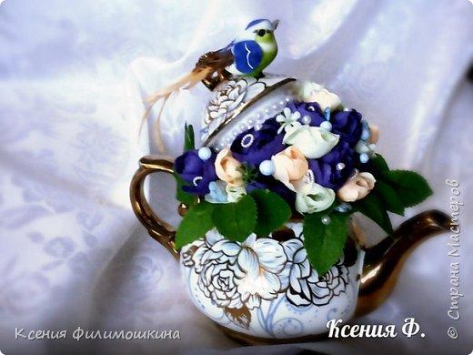 Цветочная композиция в чайнике фото 2