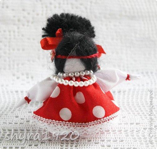 2).    Кукла на Долю, на Счастье. Сделана по всем правилам русских народных кукол. Сшила 28 штук,  показываю по 3 фото каждой. фото 73