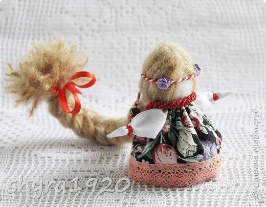 2).    Кукла на Долю, на Счастье. Сделана по всем правилам русских народных кукол. Сшила 28 штук,  показываю по 3 фото каждой. фото 57