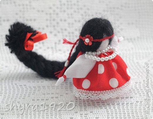 2).    Кукла на Долю, на Счастье. Сделана по всем правилам русских народных кукол. Сшила 28 штук,  показываю по 3 фото каждой. фото 75