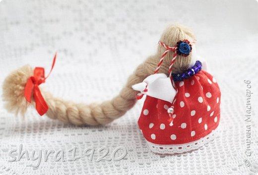 2).    Кукла на Долю, на Счастье. Сделана по всем правилам русских народных кукол. Сшила 28 штук,  показываю по 3 фото каждой. фото 54