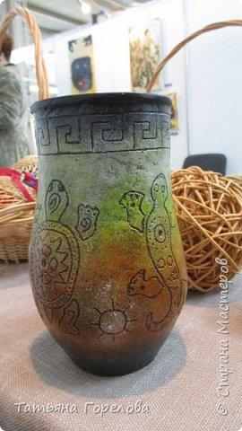 """Основа вазы -стакан из Магдональса. Гравировала  с помощью устройства """"Зубр"""". Красила и лачила акрилом. фото 3"""