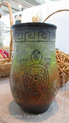 """Основа вазы -стакан из Магдональса. Гравировала  с помощью устройства """"Зубр"""". Красила и лачила акрилом. фото 2"""