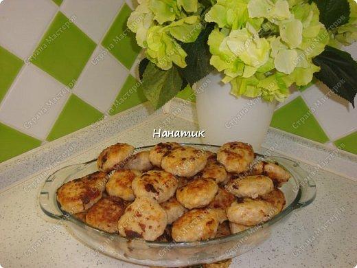 Доброе утро. Любителям котлеток посвящается))): -1 кг свинины -2 луковицы -2 зубчика чеснока -1 морковь крупная -рис 150-200г -масло растит.для жарки -мука для панировки -соль по вкусу фото 10