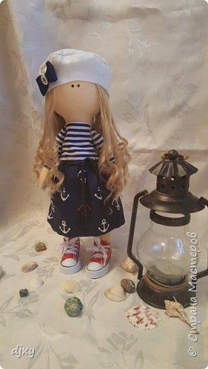 Моя первая куколка. Ни когда не умела шить, но подруга уговорила попробовать. Вот что получилось))) фото 4