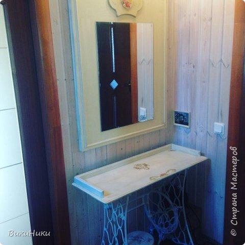 Такое зеркало с консолью можно сделаться прихожую или спальню из подручных материалов. фото 1