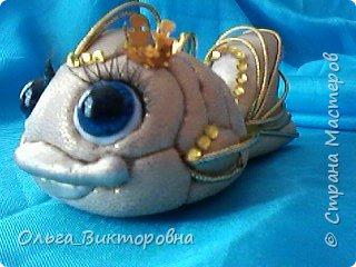 """Доброго вечера всем жителям Страны. Маленькая золотая рыбка в технике """"кинусайга"""" перед вашими глазами. Срочно нужно было сделать  замечательной молодой паре в подарок на новоселье, новоселье их  магазина  рукоделия. По моему золотая рыбка будет как раз вовремя- исполнение всех желаний-мечта каждого, тем более когда еще вся жизнь впереди.....  фото 1"""