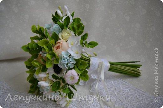 Свадебные цветочки, букетики, украшения в волосы или бутоньерка - всегда особенная нежность, ответственность и трепет.  фото 3