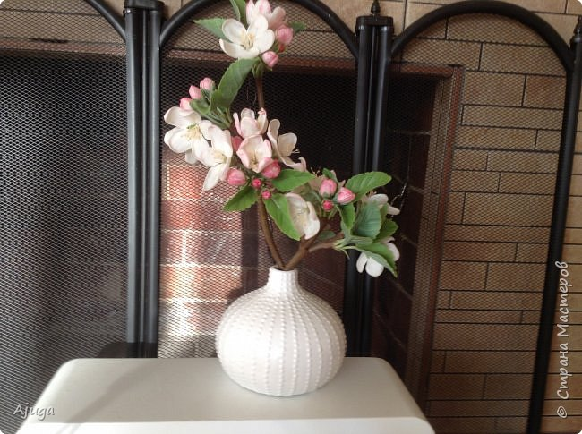 Цветы запоздалые..... Яблоневый цвет из полимерной глины . Ручная работа. фото 10