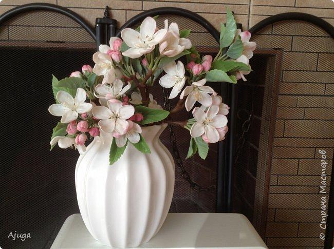 Цветы запоздалые..... Яблоневый цвет из полимерной глины . Ручная работа. фото 7