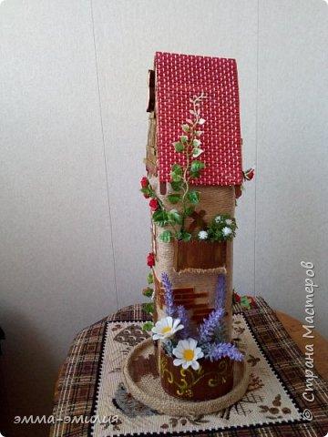 Домики и хатки из бутылок. фото 13