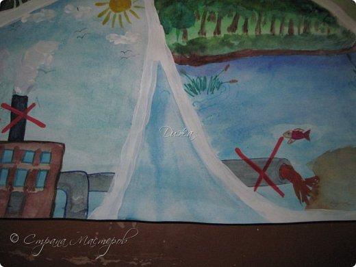 """Всем огромной приветик! Представляю мою первую стенгазету, которую я нарисовала на школьный конкурс. Плакат называется """"Мы за мир"""" На голубом фоне ромашка. Нарисовала на ватмане А1. Использовала акварельные краски, гуашь, акриловые краски, фломастеры и карандаши.  На лепестках всё что угрожает мирной жизни на земле.  фото 12"""