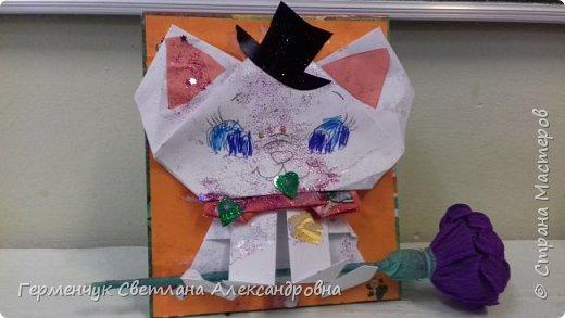 """Ко Дню Матери на уроке трудового обучения ( 14 октября) с  ребятами  3 """"А"""" класса сделали  открытки милым мамочкам.Идею  изготовления котенка -  оригами взяли  из Интернета, а украшали - каждый  на свой вкус Мальчишки  котенку надели цилиндр , а девочки - кошечкам завязали  бантики,в лапки - розы. фото 16"""