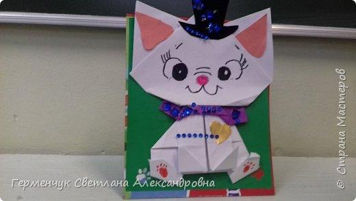 """Ко Дню Матери на уроке трудового обучения ( 14 октября) с  ребятами  3 """"А"""" класса сделали  открытки милым мамочкам.Идею  изготовления котенка -  оригами взяли  из Интернета, а украшали - каждый  на свой вкус Мальчишки  котенку надели цилиндр , а девочки - кошечкам завязали  бантики,в лапки - розы. фото 28"""