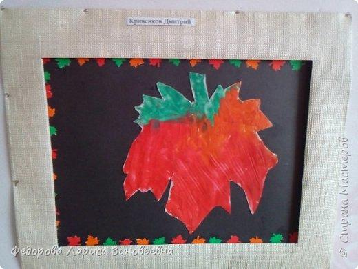 Сегодня на уроке технологии мы делали вот такие осенние листья. Очень любим рисовать пластилином. Вот что у нас получилось. фото 2