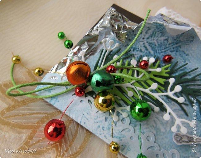"""Люди добрые, простите меня, что не умею загружать мало фото, и мучаю вас большим количеством. Сегодня я к вас со своими первыми шоколадницами созданными для  II ЭТАП """"Открытка-шоколадница""""   http://blog.agiart.ru/2017/10/2.html ТЕМА - Новый год, Рождество, зима ФОРМА - открытка-упаковка для шоколада ОЭ (обязательный элемент) - цвет и фактура плитки шоколада фото 4"""