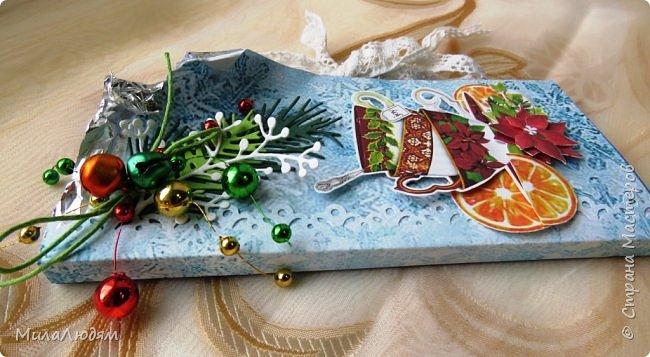 """Люди добрые, простите меня, что не умею загружать мало фото, и мучаю вас большим количеством. Сегодня я к вас со своими первыми шоколадницами созданными для  II ЭТАП """"Открытка-шоколадница""""   http://blog.agiart.ru/2017/10/2.html ТЕМА - Новый год, Рождество, зима ФОРМА - открытка-упаковка для шоколада ОЭ (обязательный элемент) - цвет и фактура плитки шоколада фото 11"""