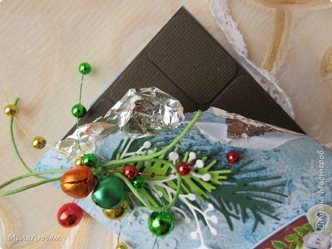 """Люди добрые, простите меня, что не умею загружать мало фото, и мучаю вас большим количеством. Сегодня я к вас со своими первыми шоколадницами созданными для  II ЭТАП """"Открытка-шоколадница""""   http://blog.agiart.ru/2017/10/2.html ТЕМА - Новый год, Рождество, зима ФОРМА - открытка-упаковка для шоколада ОЭ (обязательный элемент) - цвет и фактура плитки шоколада фото 8"""