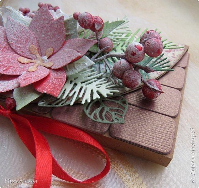 """Люди добрые, простите меня, что не умею загружать мало фото, и мучаю вас большим количеством. Сегодня я к вас со своими первыми шоколадницами созданными для  II ЭТАП """"Открытка-шоколадница""""   http://blog.agiart.ru/2017/10/2.html ТЕМА - Новый год, Рождество, зима ФОРМА - открытка-упаковка для шоколада ОЭ (обязательный элемент) - цвет и фактура плитки шоколада фото 25"""