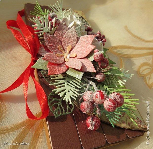 """Люди добрые, простите меня, что не умею загружать мало фото, и мучаю вас большим количеством. Сегодня я к вас со своими первыми шоколадницами созданными для  II ЭТАП """"Открытка-шоколадница""""   http://blog.agiart.ru/2017/10/2.html ТЕМА - Новый год, Рождество, зима ФОРМА - открытка-упаковка для шоколада ОЭ (обязательный элемент) - цвет и фактура плитки шоколада фото 44"""