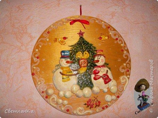 Очень люблю Новый год и Снеговиков. На глаза попалась старая открытка, и вот что получилось. Открытки уже давно нет, а картина который год меня радует.  фото 1