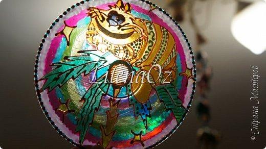 """Чеширский  кот почему-то залез на пальму. Наверно потому что других деревьев """"художник"""" не умеет рисовать.... фото 3"""