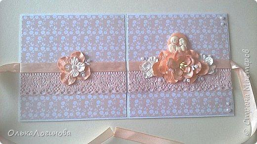 """Доброго дня всем!!!Хочу показать вам свою новую работу-конверт для диска со свадебной фотосессии,или можно использовать как открытку для поздравлений и денежного подарка/сертификата.Для основы использовала акварельную бумагу,верх-бумага для скрапбукинга  15х15 """"Чай vs Кофе"""" от Polkadot (прислали в подарок за заказ в интернет-магазине),бумажные цветы,немного дырокольностей, кружево,атласная лента,полубусины и камея с изображением молодоженов из запасов хомячка)).Внутри-акварельная бумага(кармашки) и однотонная бумага для скрапбукинга.Приглашаю вас к просмотру) фото 3"""