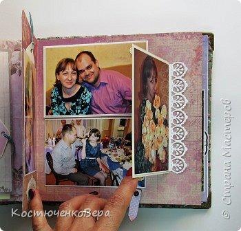 Сделала юбилейный семейный альбом. Фотографии о жизни за 10 лет.  Использовала элементы поп ап. фото 16