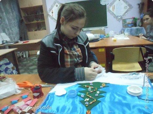"""Развивающий коврик """"Елочка"""" с использованием застежек-пуговиц, липучек. фото 6"""