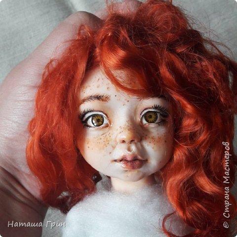 Всем привет! Знакомьтесь эта Анна. Куколка вылеплена в ручную из запекаемого пластика Ливинг долл. Роспись акриловые, масляные краски. Глаза из эпоксидной смолы, внутри расписаны акрилом. Волосы натуральная козочка.  фото 6