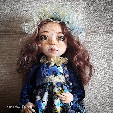 Всем привет! Знакомьтесь эта Анна. Куколка вылеплена в ручную из запекаемого пластика Ливинг долл. Роспись акриловые, масляные краски. Глаза из эпоксидной смолы, внутри расписаны акрилом. Волосы натуральная козочка.  фото 5